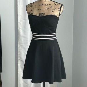 NWOT Forever 21 strapless dress size M